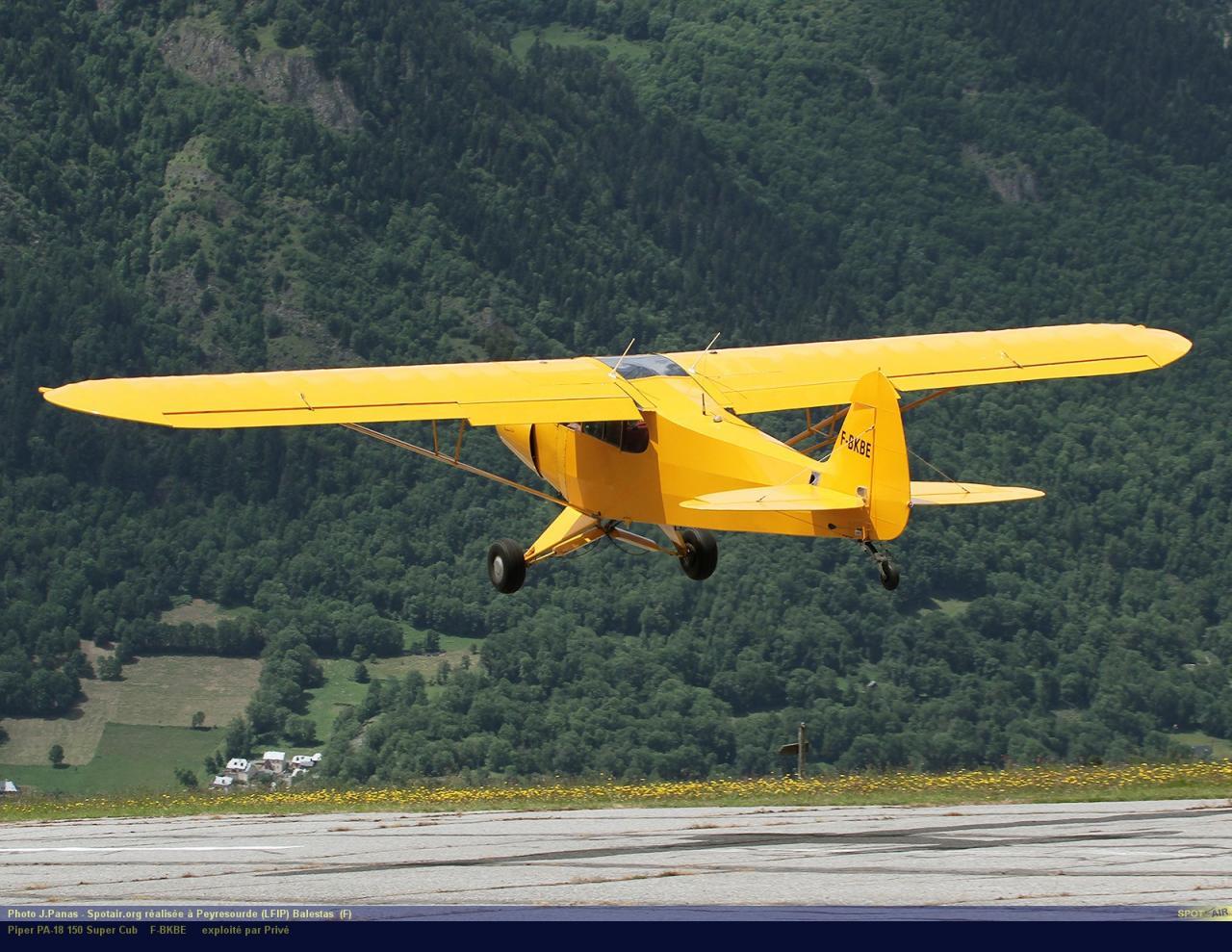 PA-18_F-BKBE_Peyresourde_(LFIP)-Balestas__(F)-24765-par-SpotAir